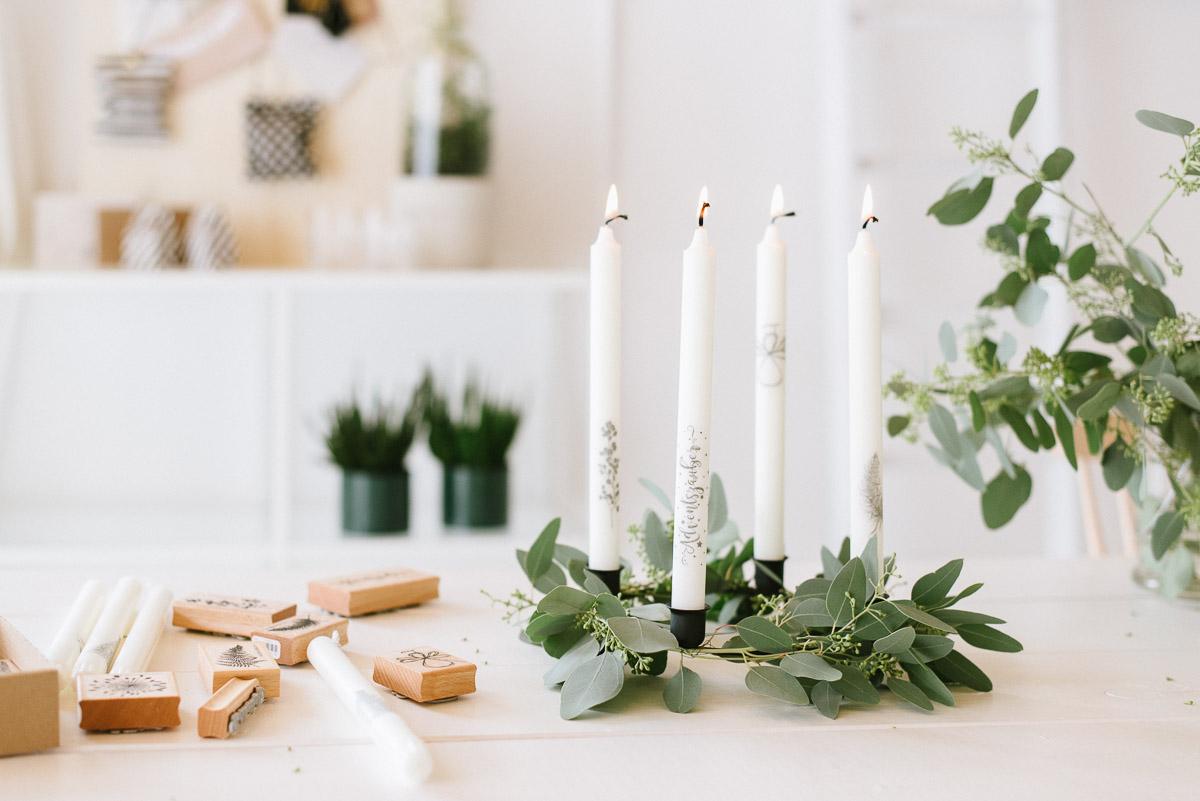 Inspiration bestempelte Kerzen Weihnachtlich zu dekorieren